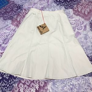 💛NWT knee length skirt